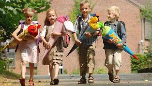 Schulanfang mit Omnibusbetrieb Busch Halver